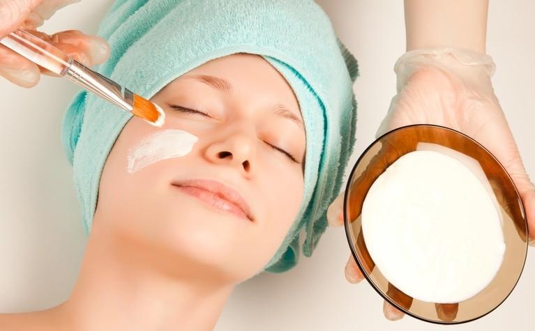Нежный уход за кожей вокруг глаз