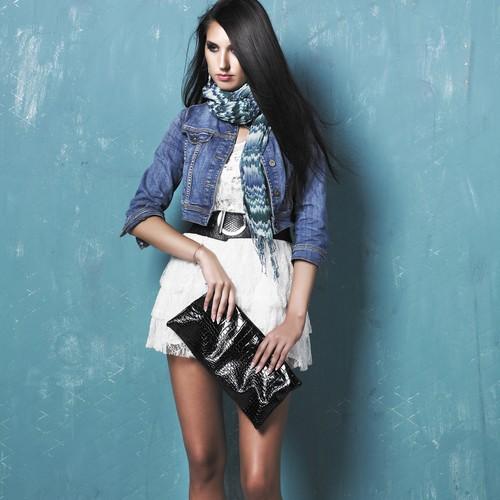 Какая самая красивая джинсовая короткая куртка модна
