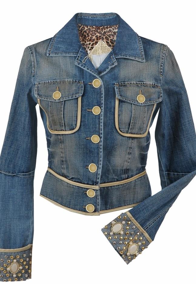 Стильная джинсовая куртка со стразами
