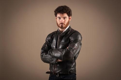 Мужские укороченные кожаные куртки и стиль