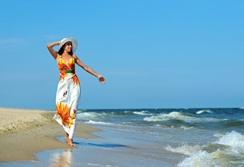 Какие летние платья и сарафаны взять на море