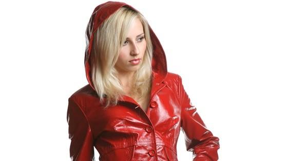 Стильная куртка кожзам женская
