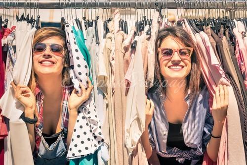 Много одежды дешево