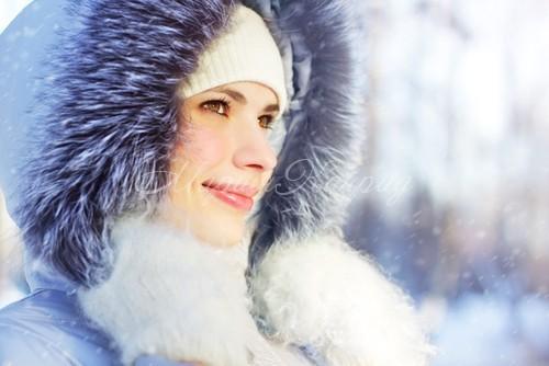 Красивая куртка Аляска женская