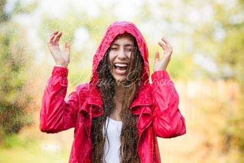 Новая куртка непромокаемая