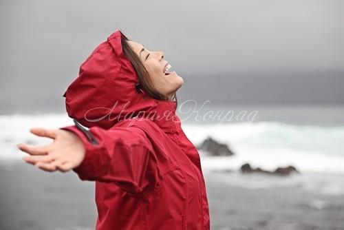 Качественная куртка непромокаемая женская