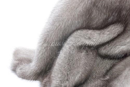 Серый мех норки