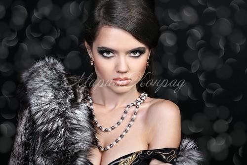 Красивая зимняя верхняя одежда для женщин