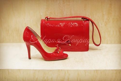 Модная брендовая обувь