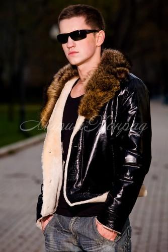 Красивая мужская куртка