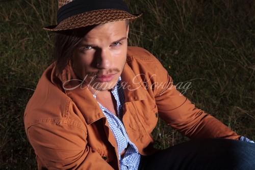 Модная мужская легкая куртка