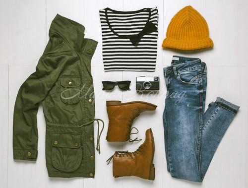 Стильная зеленая куртка