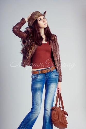 Стильные кожаные куртки на осень