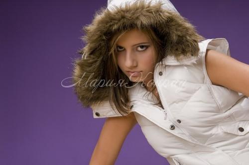 Практичные женские куртки без рукавов