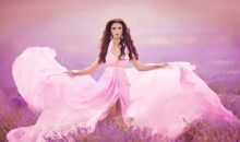 Стоят платья в пол недорого, в сравнении, как они красивы!